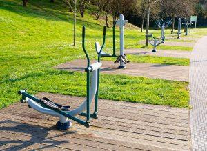 parklardaki spor aletlerine dikkat