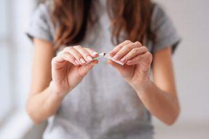 sigara sadece icine degil herkese tehlike saciyor